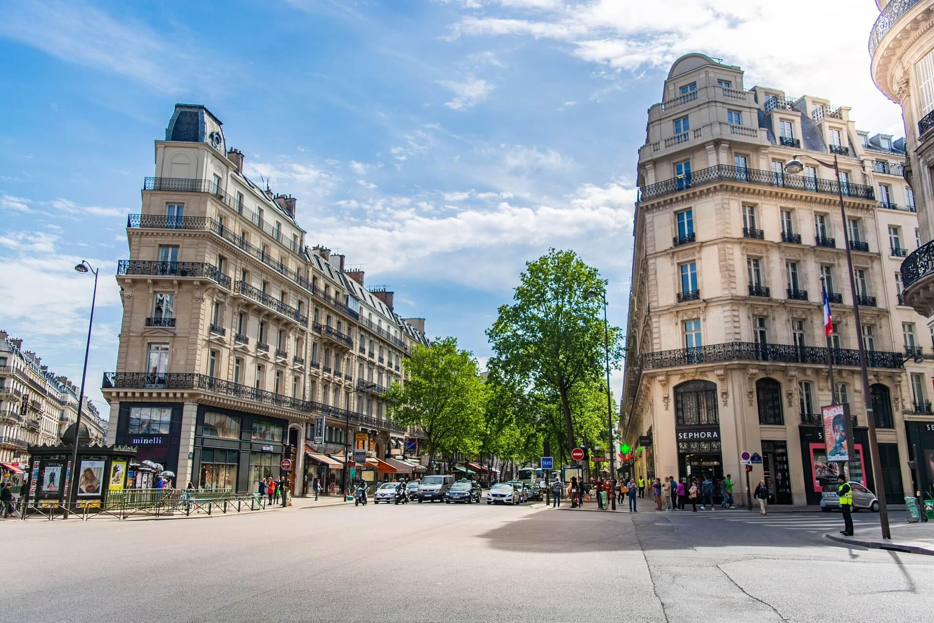 «Vents contraires sur l'immobilier commercial Parisien»
