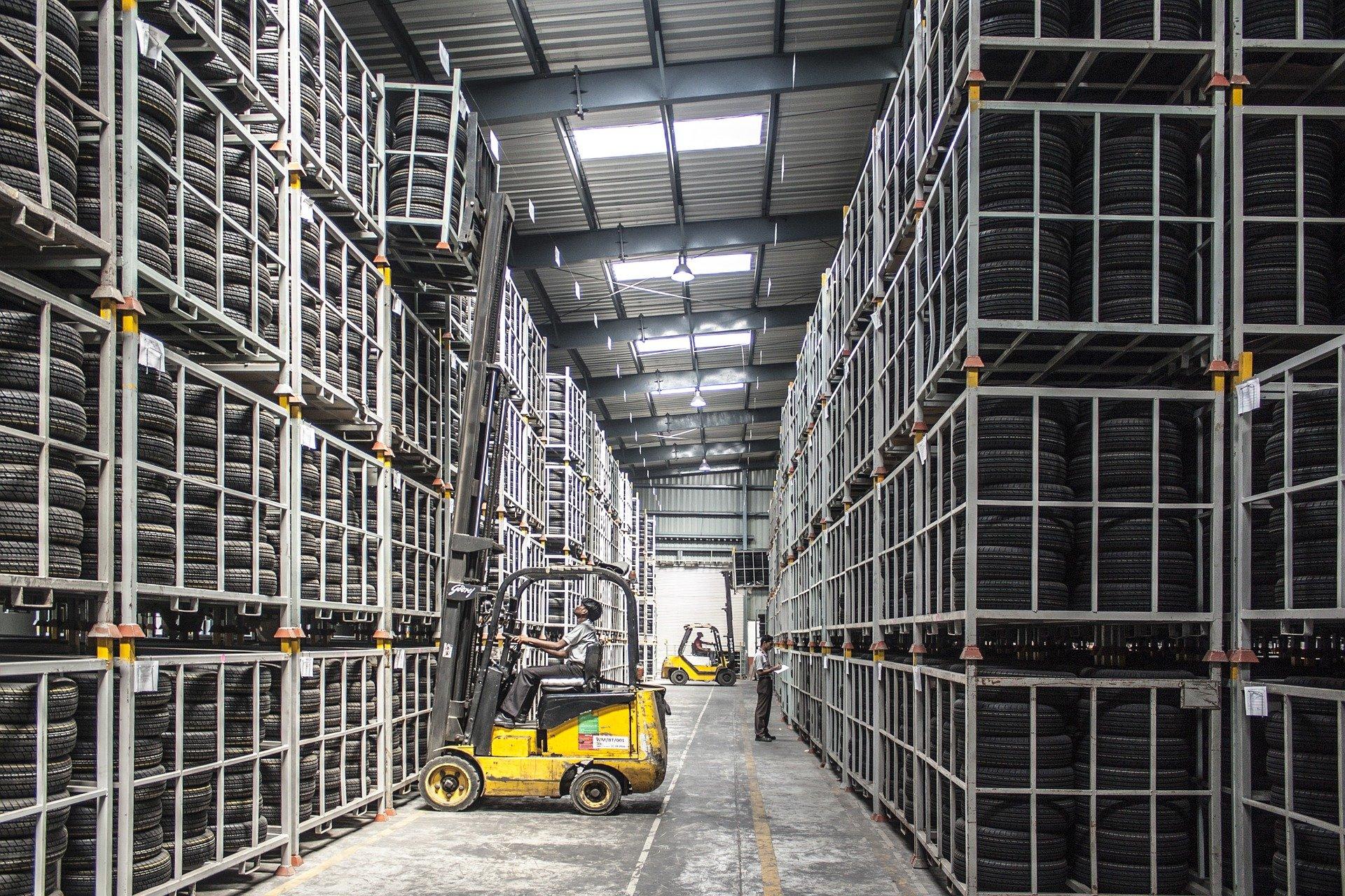 Immobilier logistique: faut-il placer tous ses colis dans le même entrepôt?
